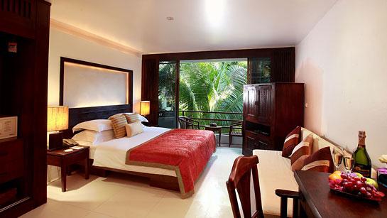 Safari Deluxe Deluxe Lanai Room Safari Beach Hotel